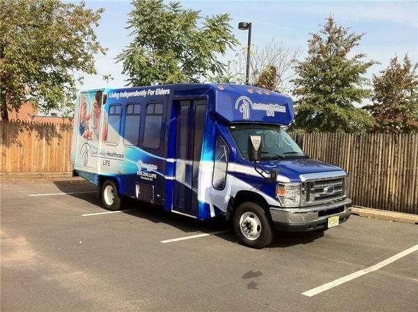 senior-care-bus